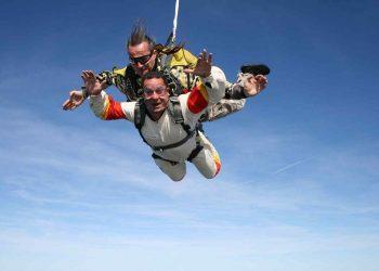 daring activities skydiving  